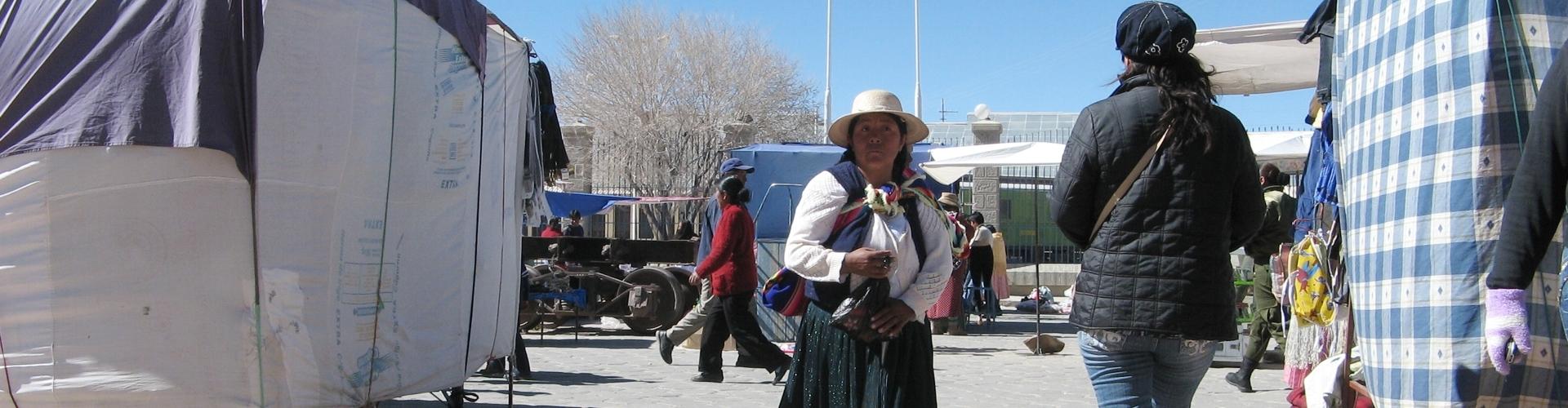 donna boliviana ad Uyuni (Bolivia)