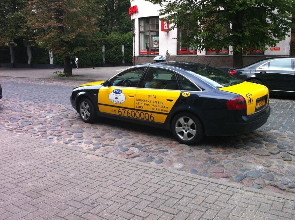 taxi Riga