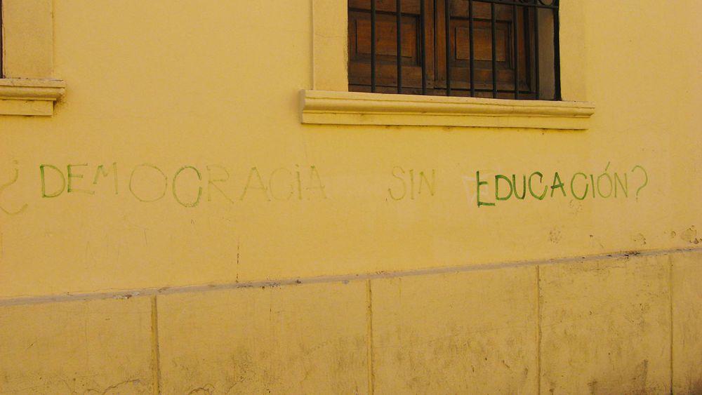 ¿democracia sin educacion? - Cordoba -Argentina