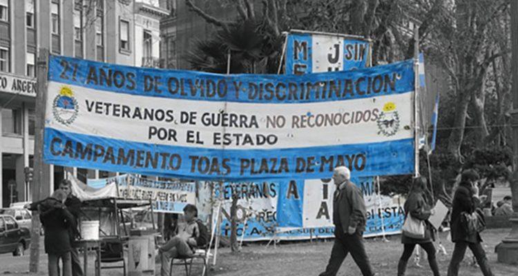 Veteranos de las Malvinas en Plaza de Mayo - Buenos Aires - Argentina